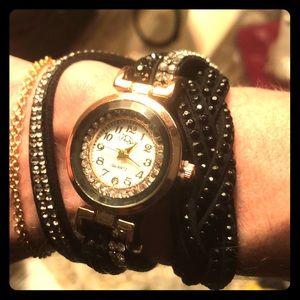 Sparkly Black and Gold Wrap Watch!